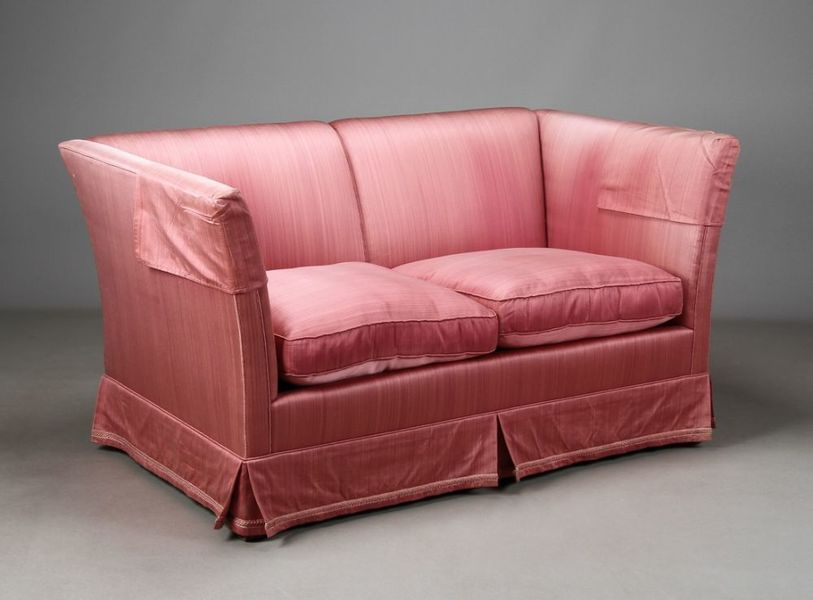 Small Sofa In Pink Satin photo 1