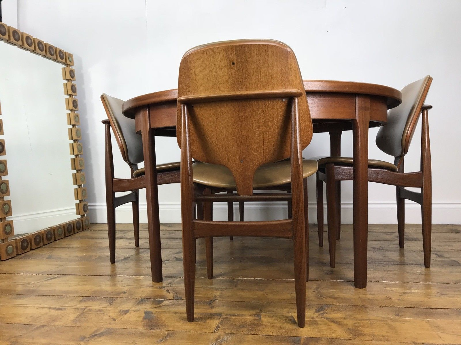 Astonishing 4X Eon Dining Chairs And Table Retro Vintage Extending Teak Elliots Of Newbury Pabps2019 Chair Design Images Pabps2019Com