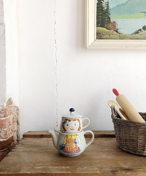 Vintage Teapot Pot And Cup / Vintage Ceramic Pottery / Earthenware Teapot / Character Ceramics / Childs Ceramic Teapot / Girls Teacup