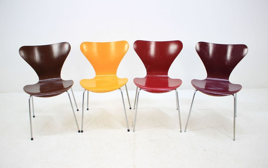 Set Of Four Mid Century Iconic Chairs Arne Jacobsen For Fritz Hansen, Series 7
