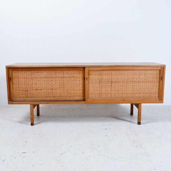 Vintage Ry 26 Oak Sideboard By Hans J. Wegner For Ry Møbler