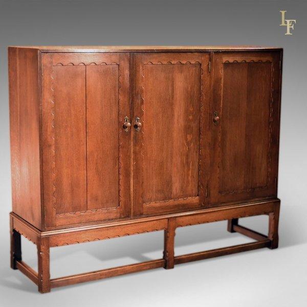 Arts & Crafts Oak Larder Cabinet, C.1900 photo 1