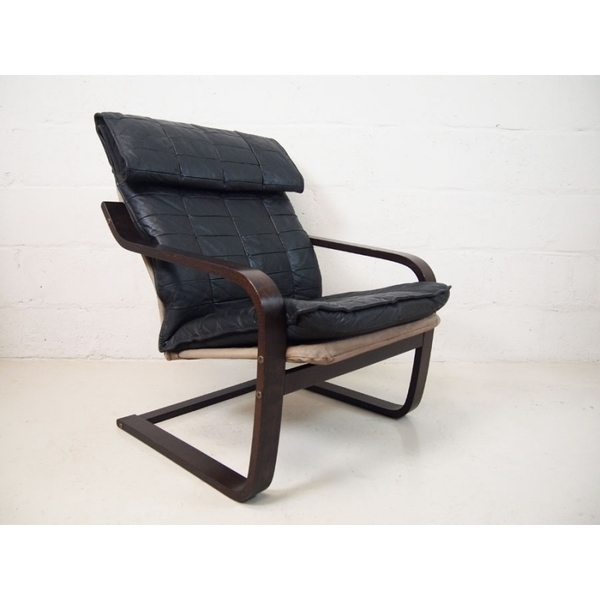 Black Leather Cantilever Lounge Chair In Black Leather