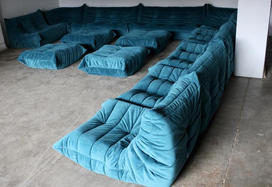 """Pristine Colossal Ligne Roset """"Togo"""" 15 Seat L Or U Shape Sofa In Teal Blue Green Velvet"""