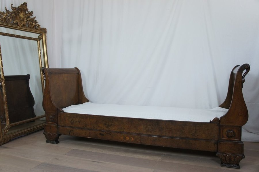 19th Century Swan Head Sledge Bed/Day Bed photo 1