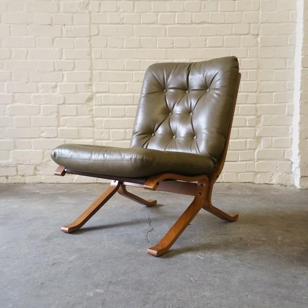Norwegian Light Olive Green Leather Siesta Easy Chair By Ingmar Relling Westnofa 1970s