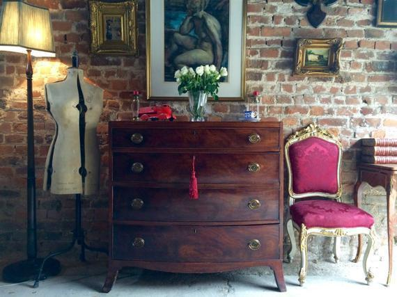 Antique Mahogany Chest Of Drawers Bow Fronted 19th Century