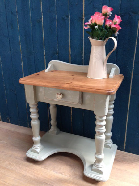 Small Old Pine Wash Stand