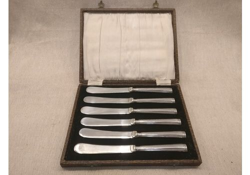 Set Of 6 Sterling Silver Handled Butter Knives In Original Case   Made In Sheffield By John Biggin In 1928