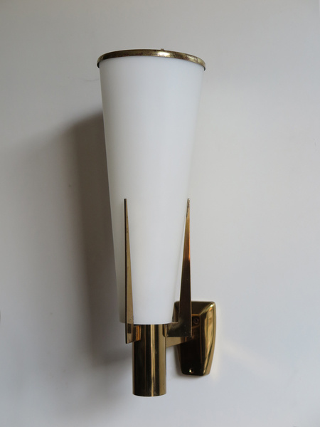 Italian Stilnovo Glass And Brass Wall Lamp, 1950s