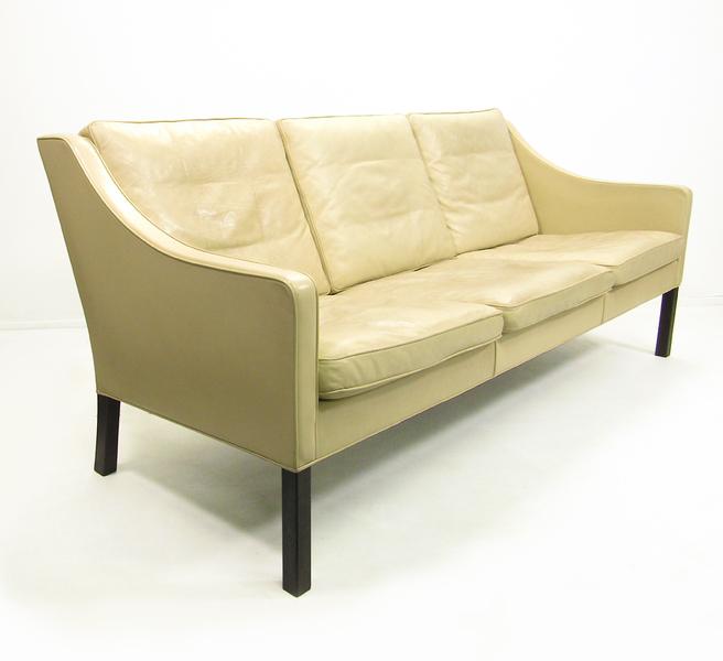 "Danish ""Model 2209"" Sofa In Leather By Borge Mogensen"