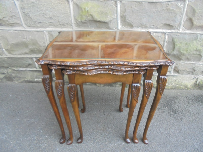 Antique Mahogany Nest 3 Glass Top Coffee Tables