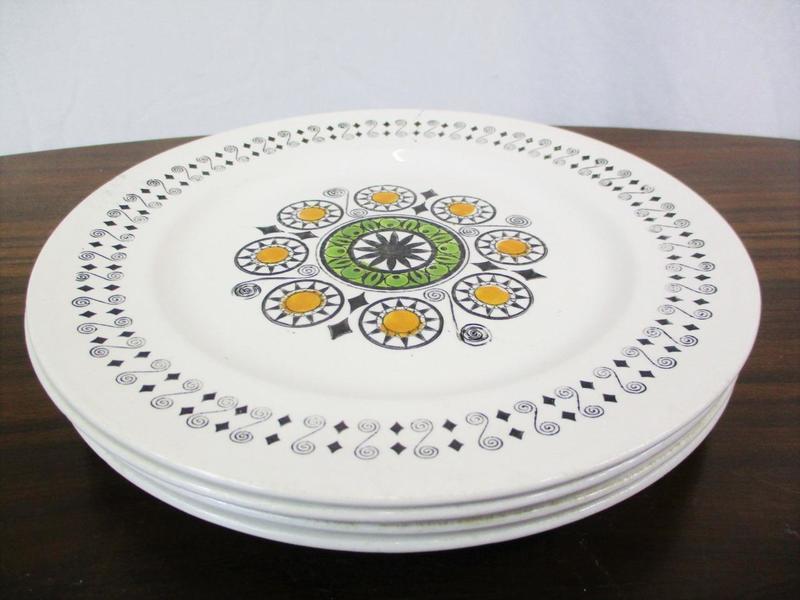 Set X 4 Vintage 60s Broadhurst Ironstone Dinner Plates Kathie Winkle Renaissance