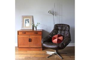 Thumb original danish midcentury brown leather hw klein egg swivel chair by bramin 0