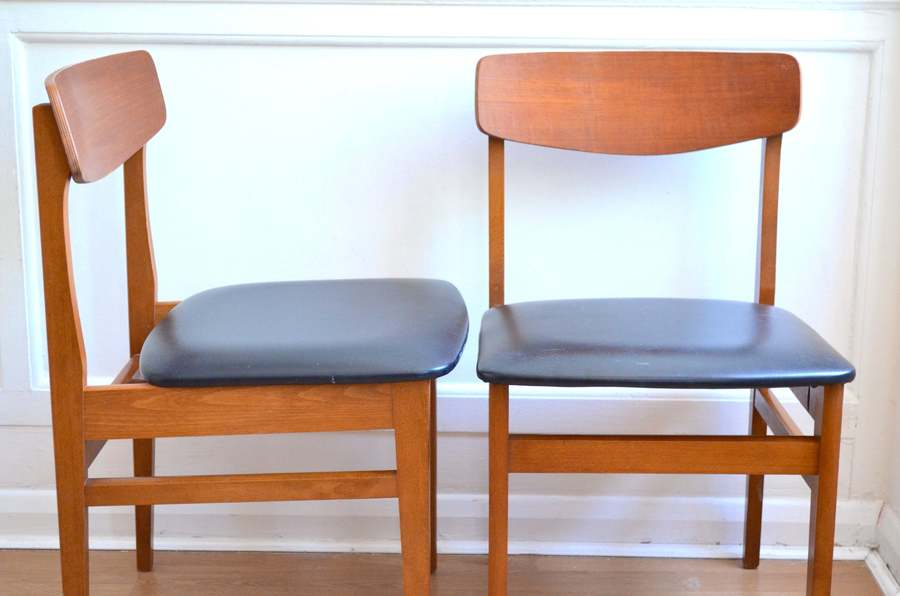 Set Of 2 Vintage Danish Style Teak Chairs. Delivery. Modern / Midcentury.