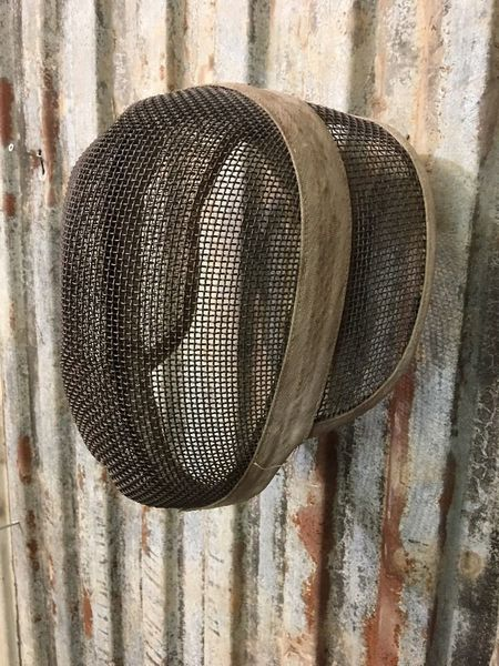 Vintage Fencing Mask Mesh Face Guard Sports Competition Wall Art Helmet (B)