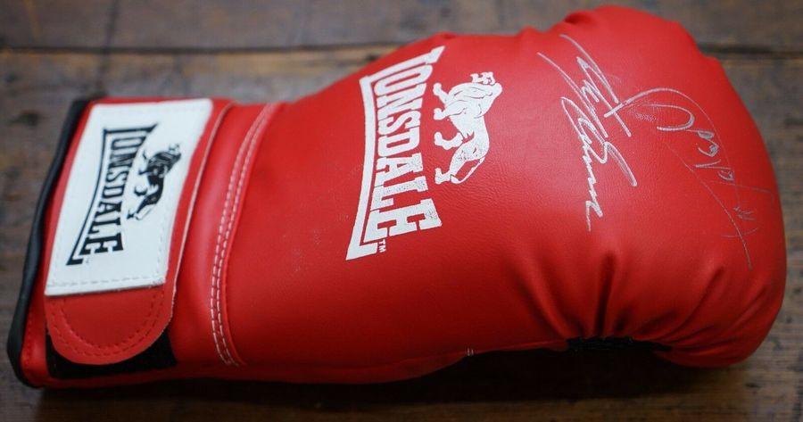 Boxing Signed Glove From Lennie Lee Ricky Burns Vs Michael Katsidis For Wbo Titl