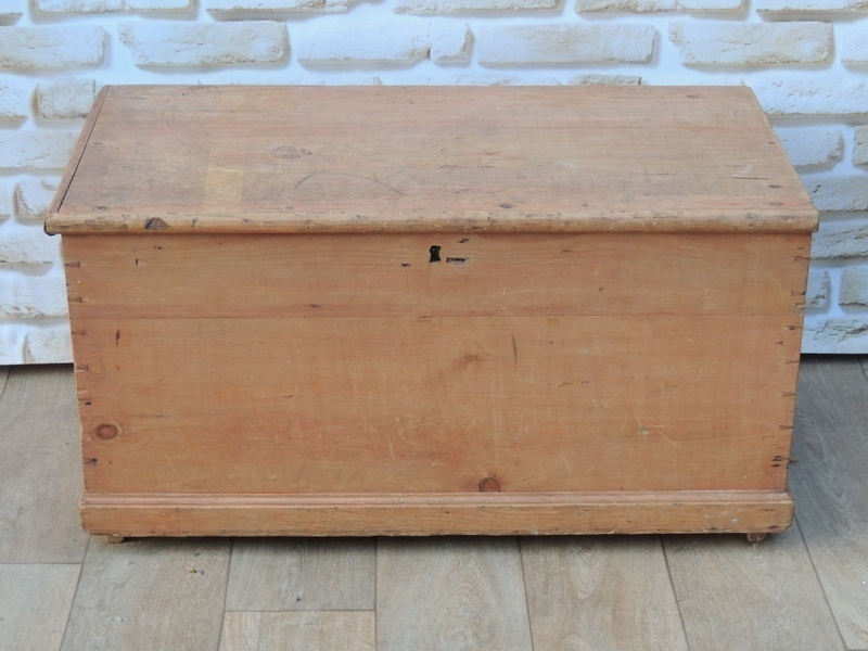 Victorian Wooden Blanket Storage Box