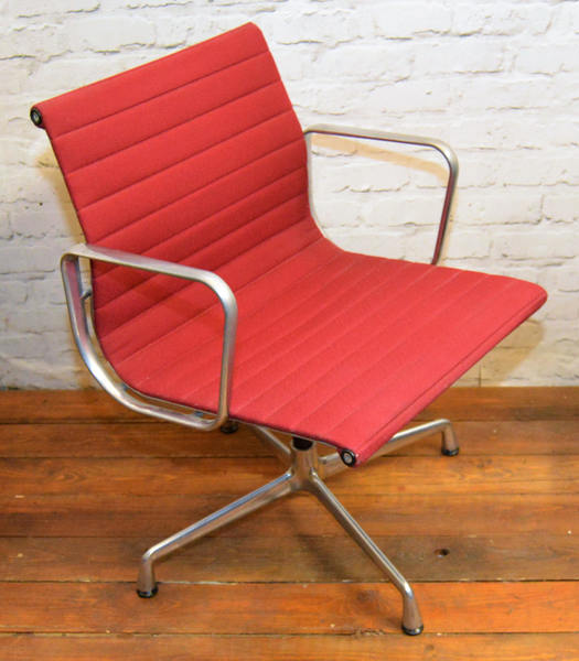 Red Charles Eames Vitra Aluminium Swivel Vintage Desk Chair