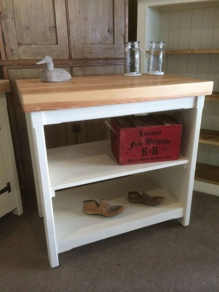 Rustic Wooden Pine Freestanding Fully Open Island Shop Fitting Counter Display