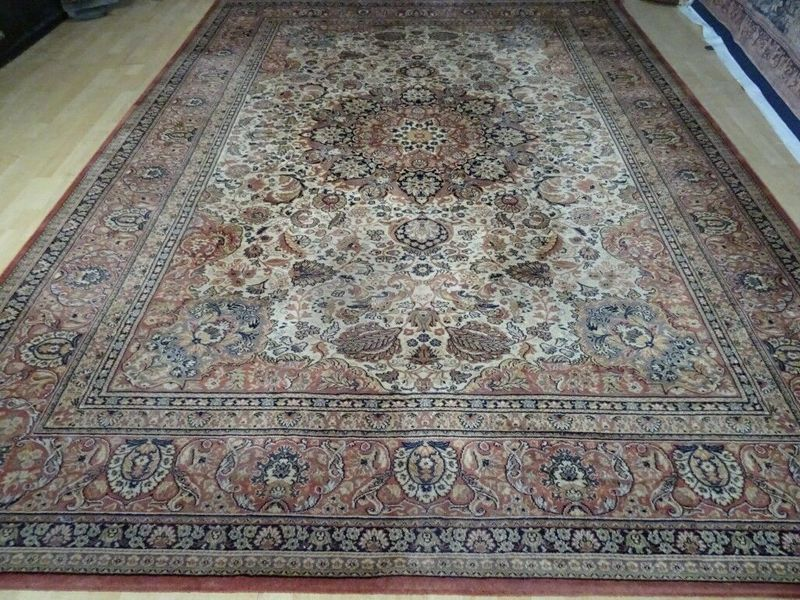 """Large Persian Design Carpet Or Rug In Traditional Design  11ft 7"""" X 8ft 3"""