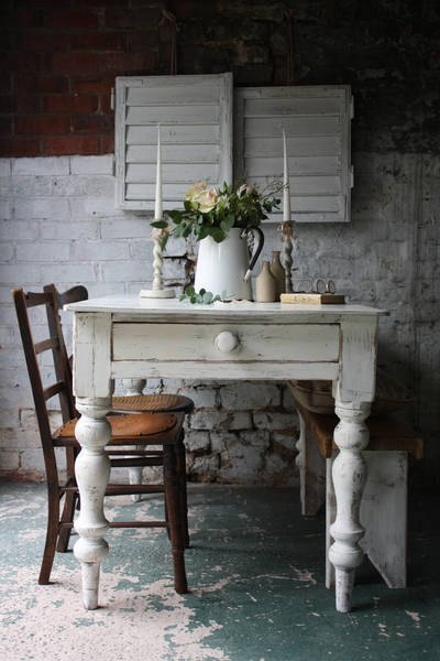 Stunning White Painted Pine Farmhouse Table
