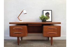 Thumb vintage 1960s g plan floating top fresco teak desk danish retro mid century 5269a53c c7e3 44a2 9a77 5ea9f0bc1f11 0