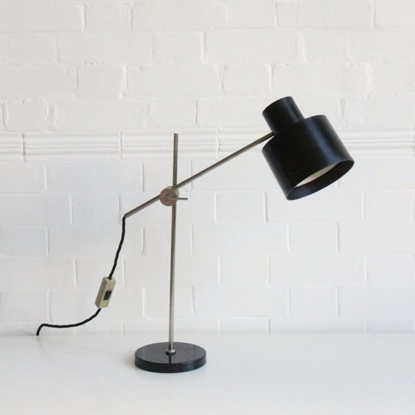 Bakelite Desk Light And Heavy Base photo 1