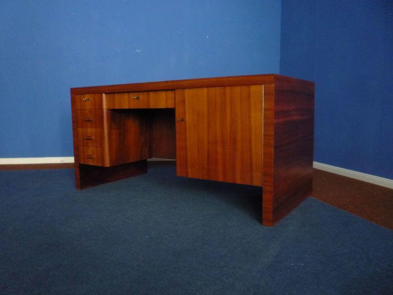 German Bauhaus Walnut Desk, 1930s