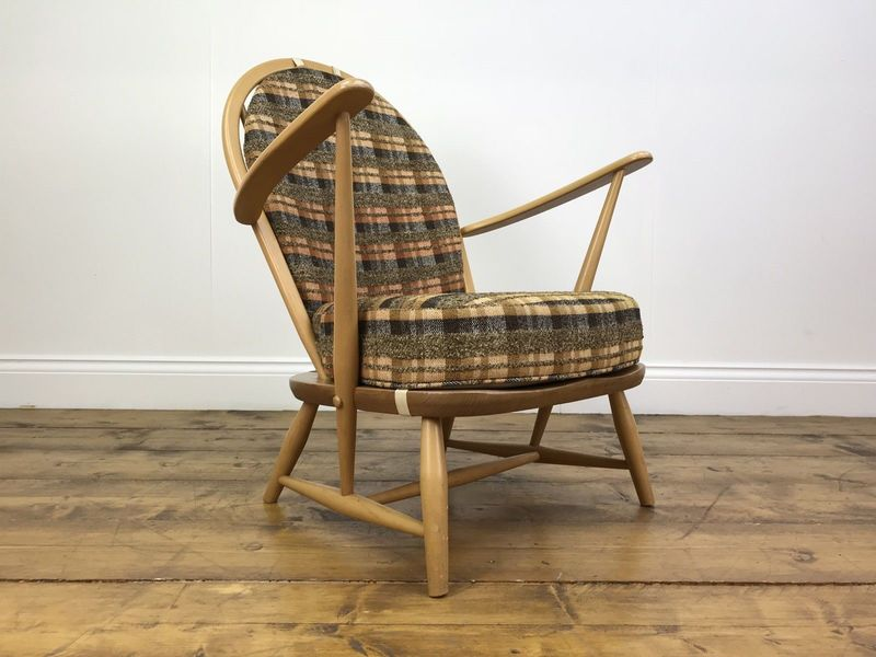 Stunning Retro Ercol Blonde Elm Armchair   Vintage Light Wood Chair Mid Century